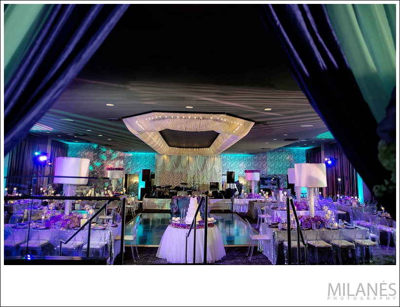 wedding_reception_room_overall_shot_ideas_colorful_modern_extravagant