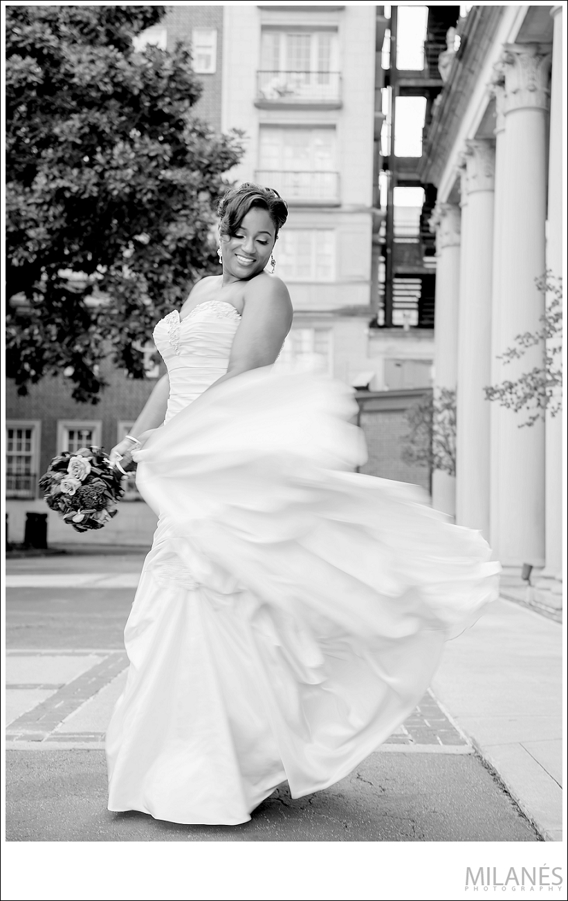 wedding_bride_dress_movement_black_white_city_ideas