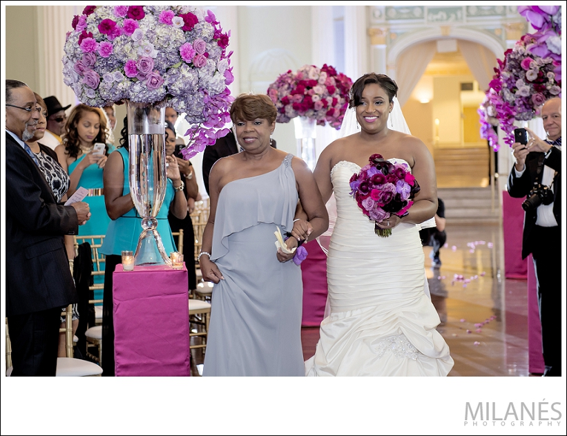wedding_ceremony_bride_mother_aisle_flowers