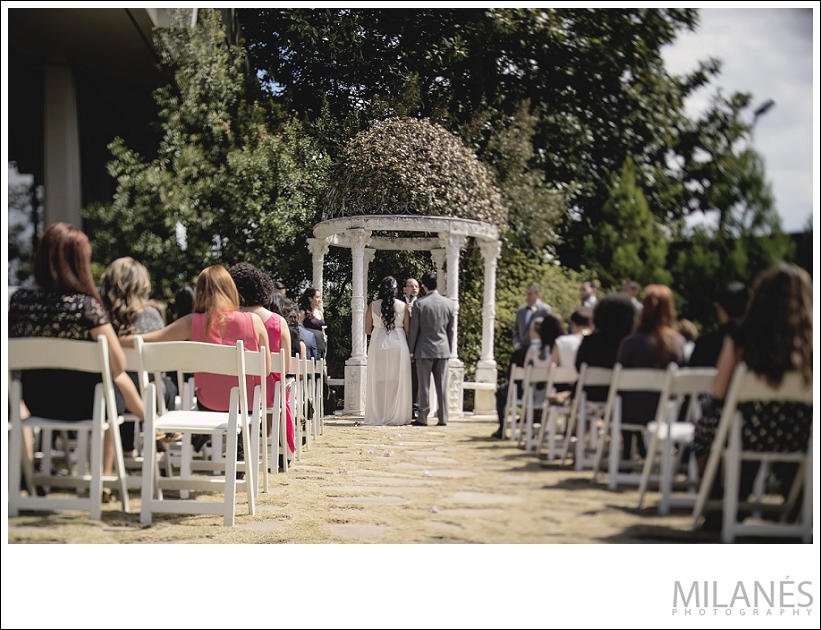 wedding_bride_groom_alter_outside