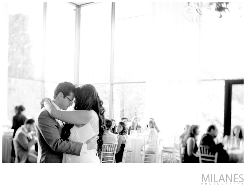 wedding_reception_bride_groom_dancing_black_white