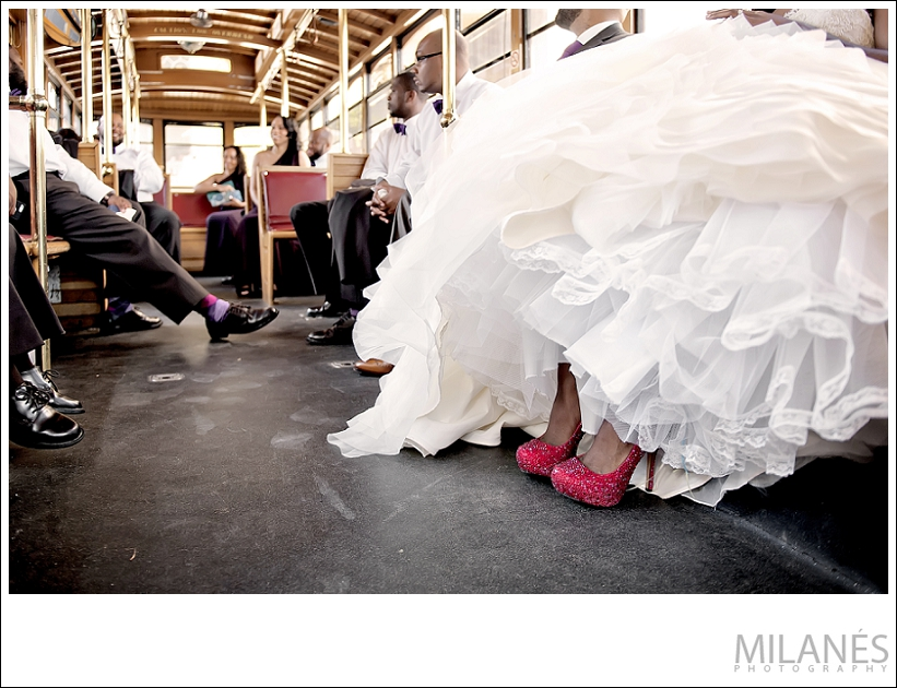 wedding_party_bride_groom_bridesmaids_groomsmen_ride_in_trolley_red_shoes_creative_modern_ideas