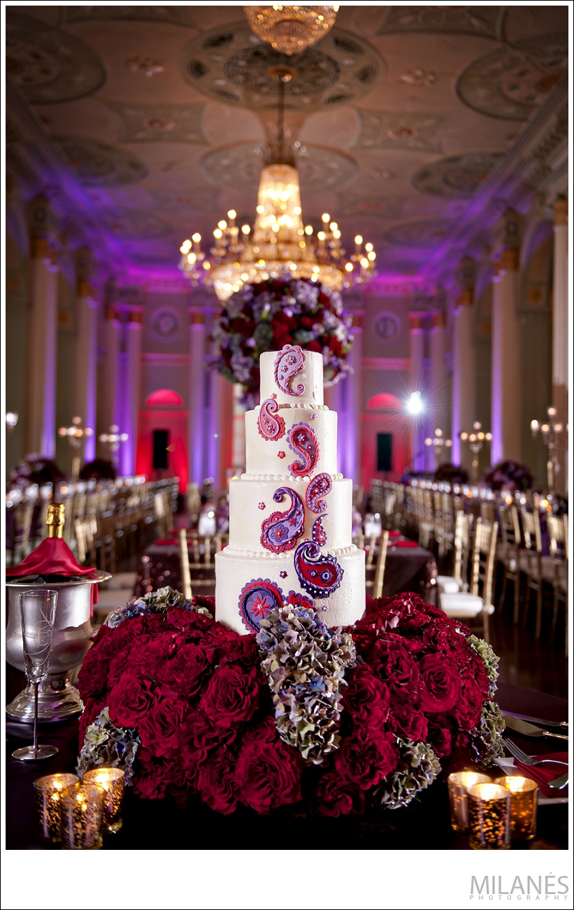 wedding_reception_cake_biltmore_ballrooms_beautiful_table_arrangements_purple_red_flowers_unique_creative_modern_ideas