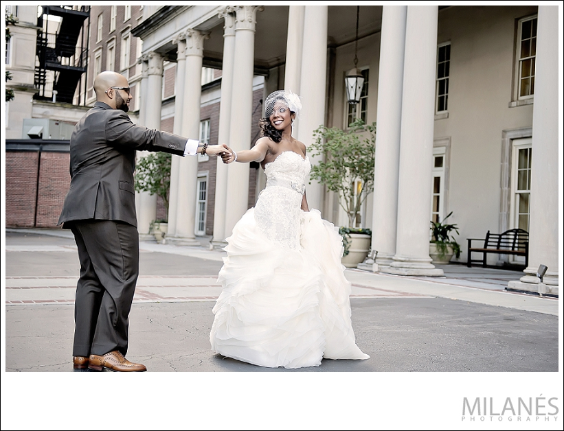 wedding_bride_groom_biltmore_outside_city_white_dress_hold_hands_fun_sweet_romantic_beautiful_creative_modern_ideas